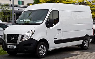 Véhicules a essieu escamotable Nissan NV400